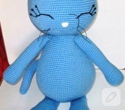amigurumi-orgu-oyuncak-mavi-kedi
