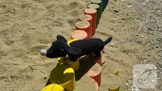 amigurumi-oyuncaklar-orgu-siyah-kopek