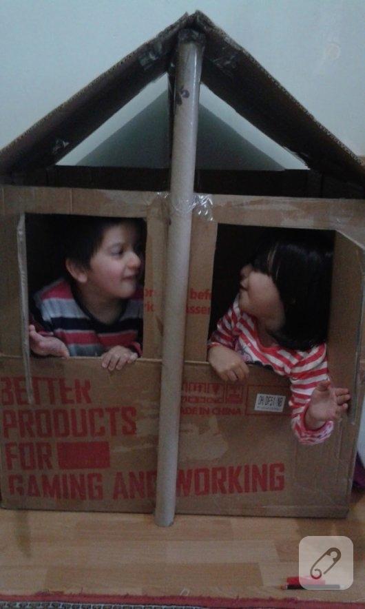 karton-kutudan-cocuklar-icin-oyun-evi-2