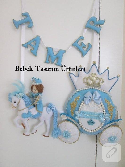 keceden-beyaz-atli-prens-mavi-erkek-bebek-odasi-kapi-susu-modelleri