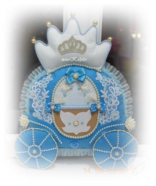 keceden-prens-ve-balkabagi-suslemeli-mavi-erkek-bebek-odasi-kapi-susu-2
