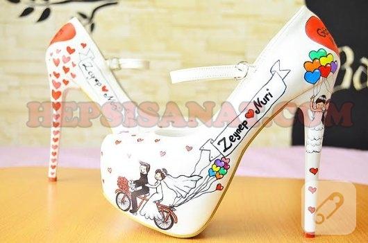 yuksek-topuklu-el-boyama-resimli-gelin-ayakkabisi-1