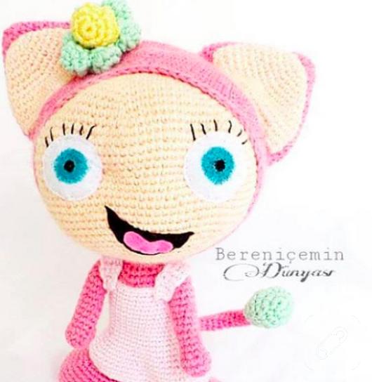 amigurumi-tig-isi-oyuncak-pembe-kulakli-bebek