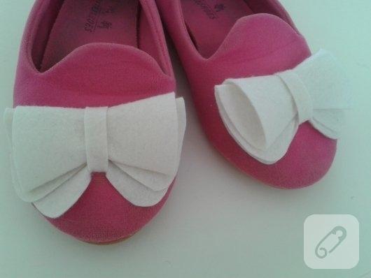 ayakkabi-yenileme-diy-keceden-fiyonk-ile-ayakkabi-susleme-1