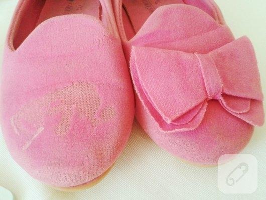 ayakkabi-yenileme-diy-keceden-fiyonk-ile-ayakkabi-susleme-2