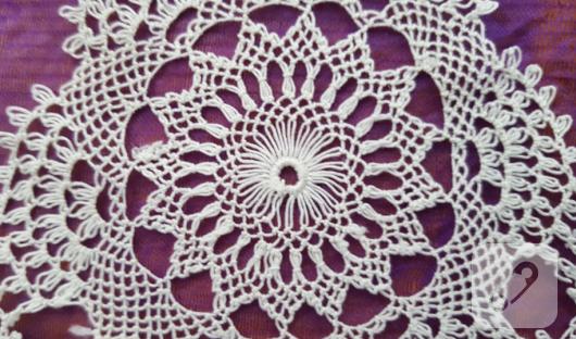 beyaz-dantel-sehpa-ortusu-modeli-detay-ornek