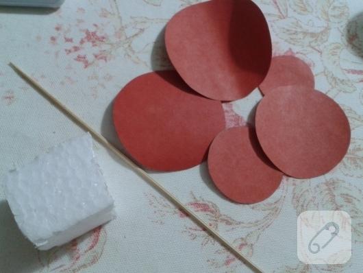 kartondan-basit-yilbasi-agaci-yapimi-2
