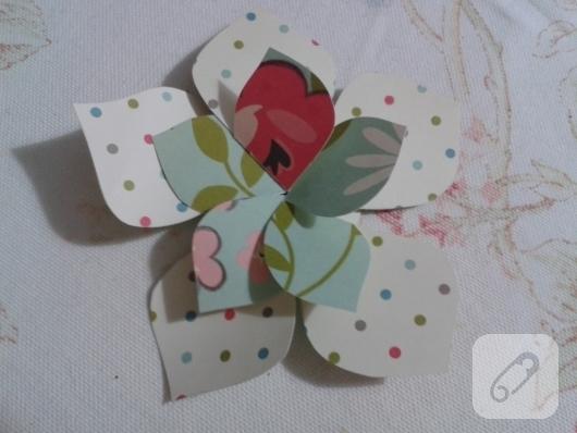 kartondan-origami-cicek-nasil-yapilir-1
