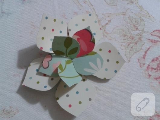 kartondan-origami-cicek-nasil-yapilir-12
