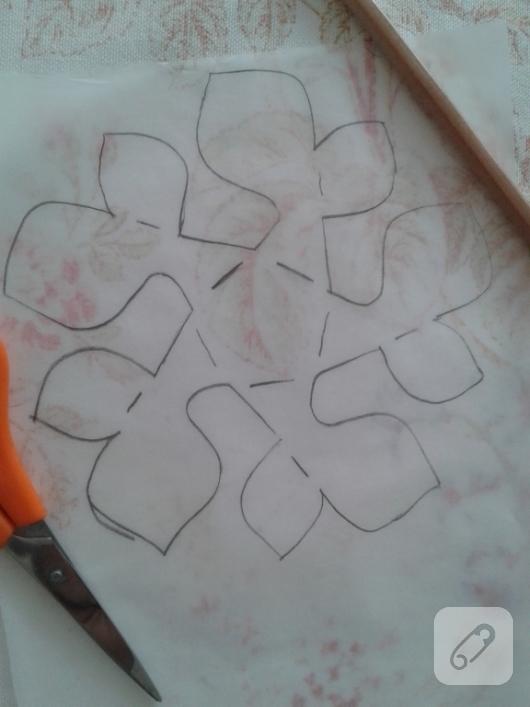 kartondan-origami-cicek-nasil-yapilir-2