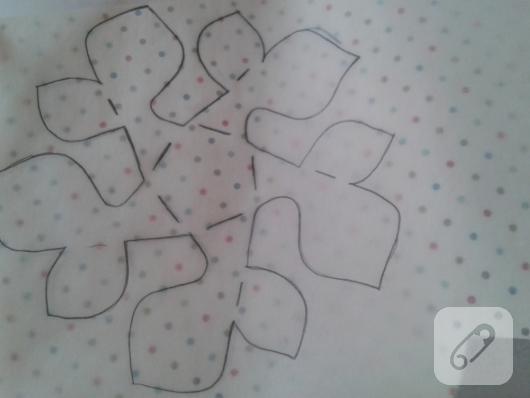 kartondan-origami-cicek-nasil-yapilir-3