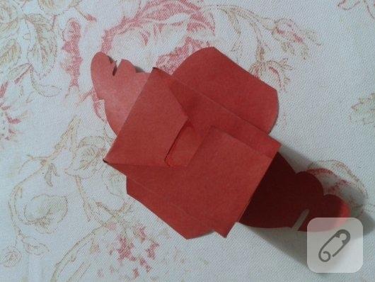 kirmizi-kartondan-kalpli-hediye-paketi-yapimi-anlatimli-10