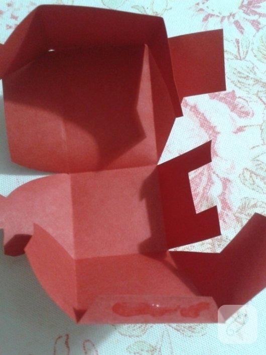 kirmizi-kartondan-kalpli-hediye-paketi-yapimi-anlatimli-6