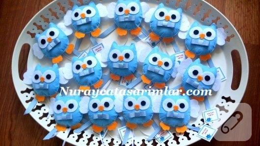 mavi-keceden-papyonlu-baykus-magnet-bebek-sekerleri-