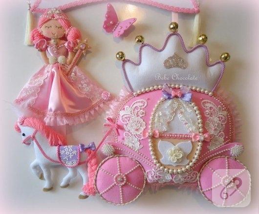 prenses-bebekli-pembe-kiz-bebek-odasi-kapi-susu-modelleri-3
