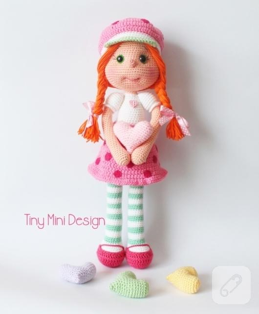 Niloya Amigurumi Free Pattern Doll Oyuncak Bebek : Amigurumi cilek k?z kost?ml? bebek 10marifet.org