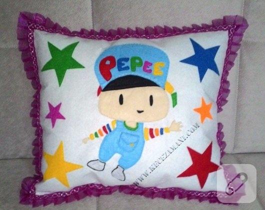 kece-pepee-islemeli-bebek-yastigi-2