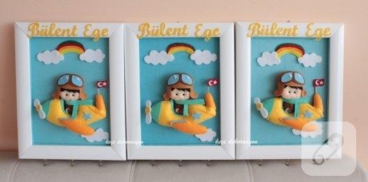 kece-pilot-bebek-suslemeli-duvar-anahtar-askiligi
