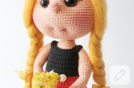 orgu-mickey-muouse-kostumlu-amigurumi-bebek-ornekleri-3