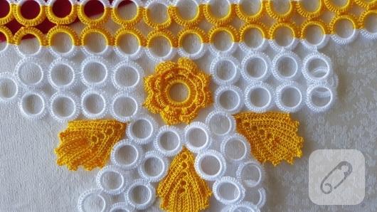 sari-beyaz-tig-isi-halkali-havlu-kenari-ornek