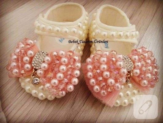 inci-suslemeli-bebek-ayakkabilari