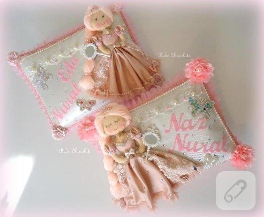 pembe-prenses-bebekli-taki-yastigi-modeli