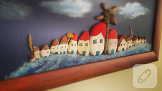 tas-boyama-evlerden-olusan-duvar-panosu