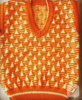 turuncu-beyaz-ucgen-desenli-orgu-bebek-suveteri
