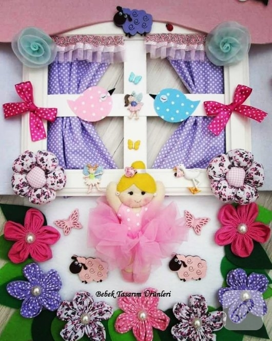 ahsap-pencerede-keceden-pembe-balerinli-kiz-bebek-odasi-kapi-susu-modeli