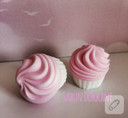 cupcake-seklinde-pembe-beyaz-sabun