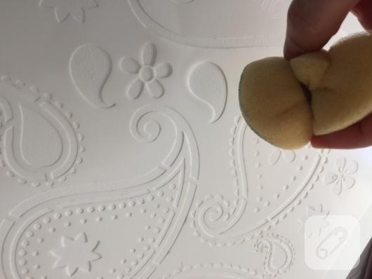 mobilya-boyama-ahsap-sehpa-uzerine-stencil-yapimi-5