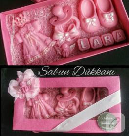 pembe-kutuda-kiz-bebek-hediyesi-sabun
