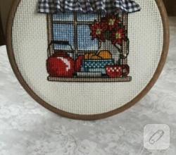 kanavice-islemeli-pencere-kasnak-duvar-susu