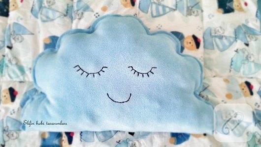 polar-kumastan-mavi-bulut-dekoratif-yastik-modeli-4