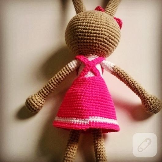 amigurumi-oyuncaklar-orgu-tavsan-modeli-11