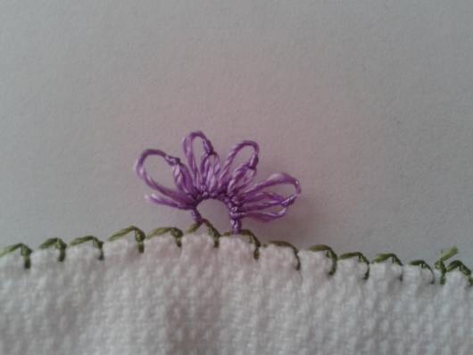 iğne oyasından çiçekli havlu kenarı yapımı (7)