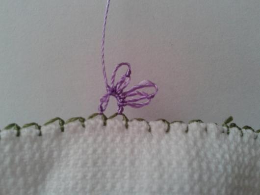 iğne oyasından çiçekli havlu kenarı yapımı (8)