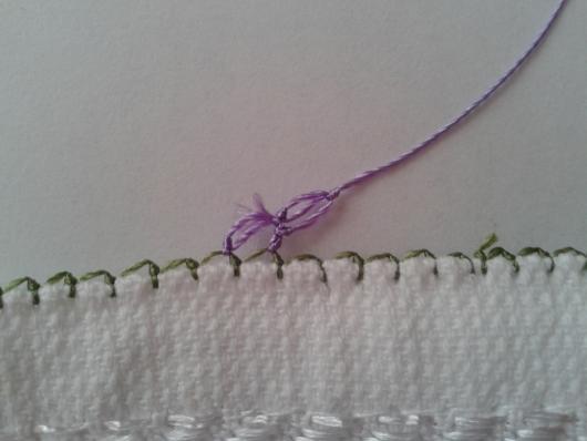 iğne oyasından çiçekli havlu kenarı yapımı (9)