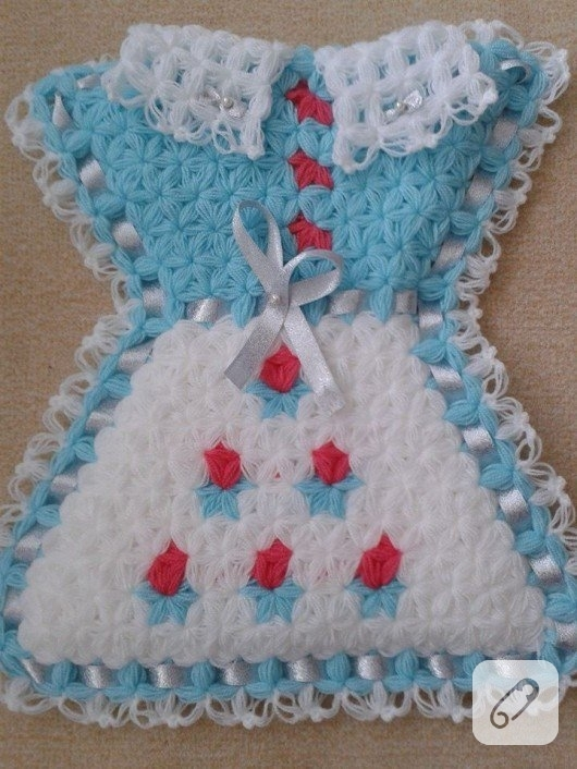 elbise-seklinde-mavi-beyaz-orgu-lif-modeli