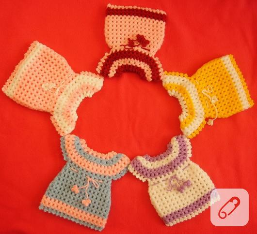 elbise-seklinde-sevimli-renkli-orgu-lif-modelleri--530x484