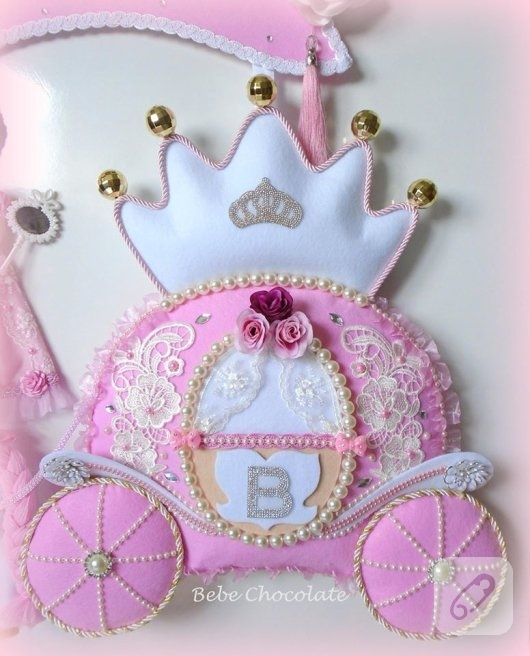 kece-prensesli-balkabagi-pembe-bebek-odasi-kapi-susleri-2