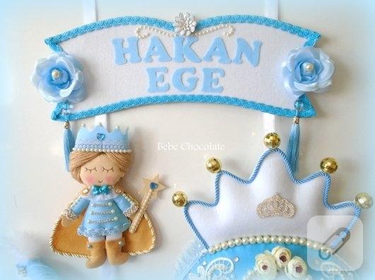 mavi-prens-ve-balkabagi-arabali-kece-erkek-bebek-kapi-susu-modelleri-2