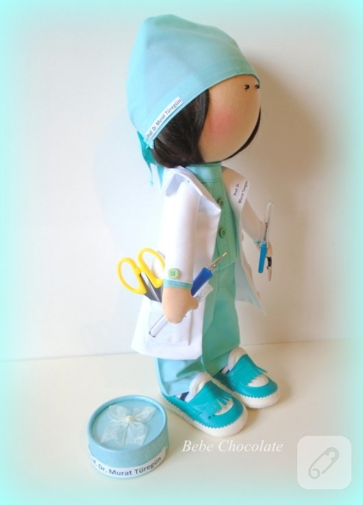 tilda-bebek-kumas-doktor-oyuncaklari-2
