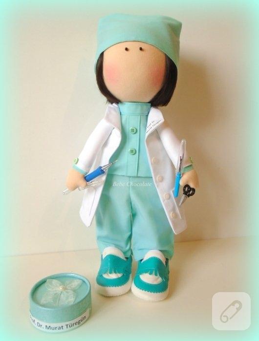tilda-bebek-kumas-doktor-oyuncaklari