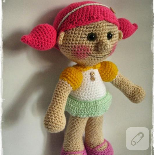 amigurumi-orgu-oyuncak-bebek-1