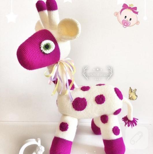 amigurumi-orgu-oyuncak-bebek-2