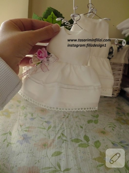 lavantali-elbise-bebek-sekeri-ornmekleri