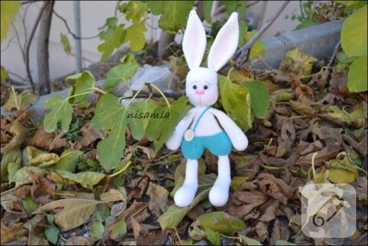 amigurumi-beyaz-tavsan-orgu-oyuncaklar-3