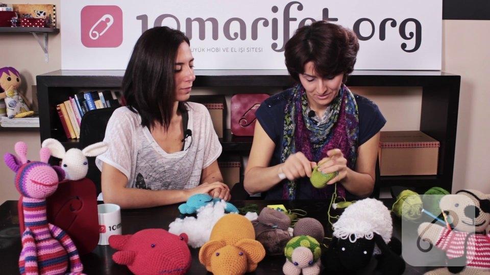 Video: Örgü oyuncak amigurumi yengeç nasıl yapılır? – 3