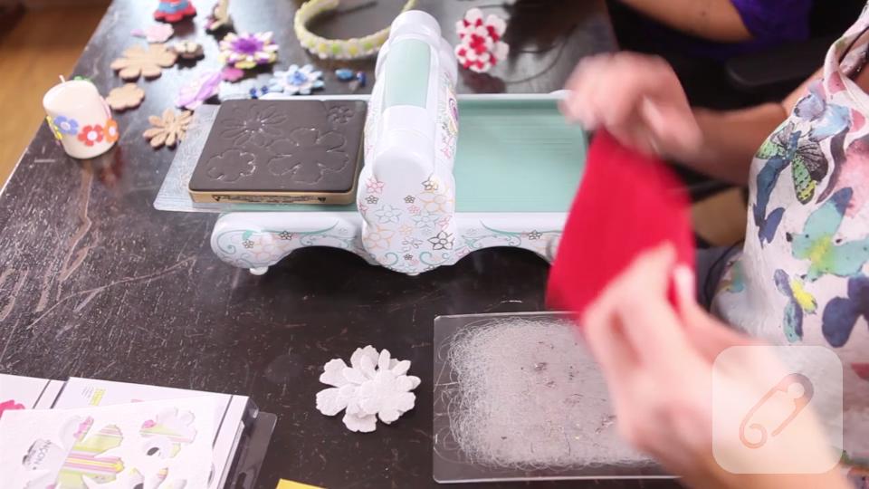 Video: Kesim aleti ile keçe nasıl kesilir, nasıl kullanılır?